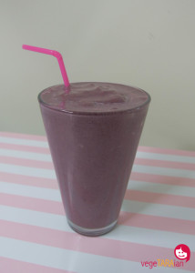 Choc berry smoothie