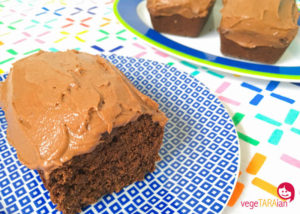Beetroot and chocolate cakes with chocolate icing