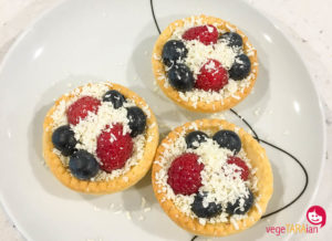 Quick chocolate and berry brunch tarts