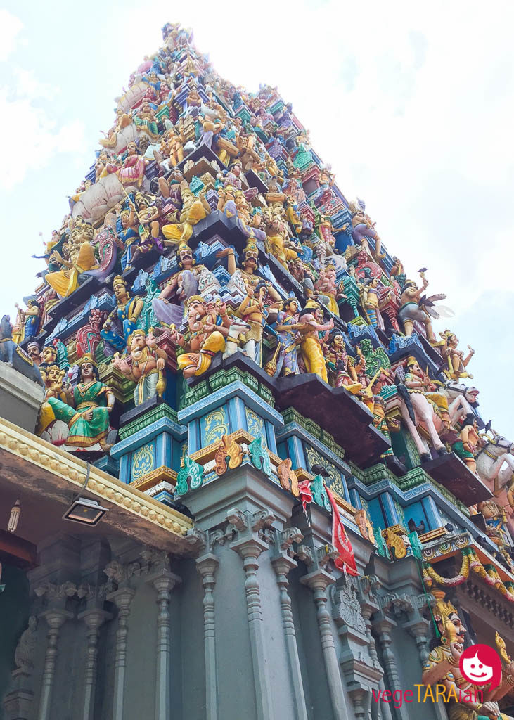 A bright and beautiful temple in Colombo